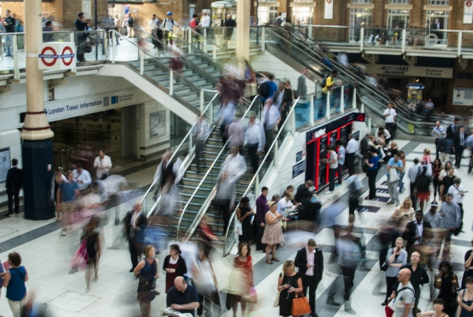 Commute - Liverpool Street at Rush Hour